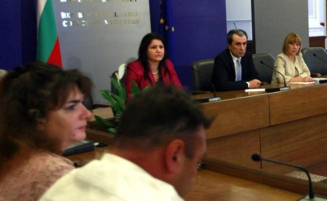 Орешарски: Въпросът за оставката е към политическите партии