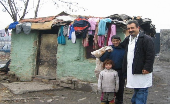 Десетки незаконни къщи в опустошения