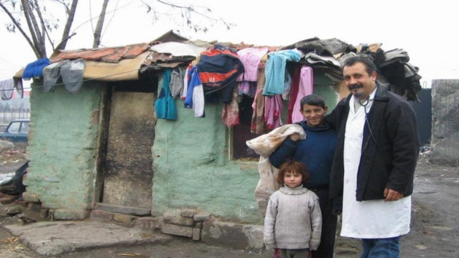 Роми доброволци в помощ на бедстващите от Аспарухово