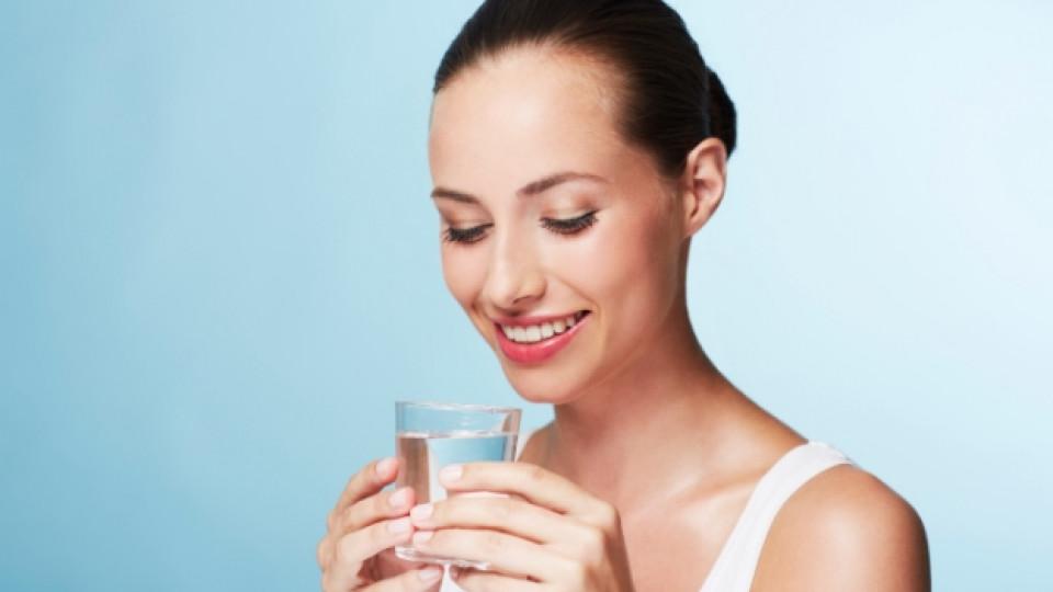 Защо пиенето на вода е важно за кожата