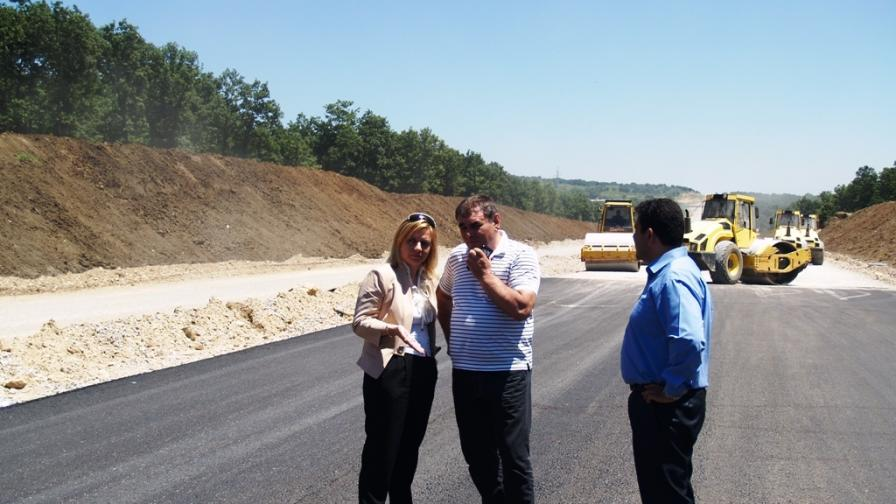 Строежът на АМ Марица може да се забави до март 2015