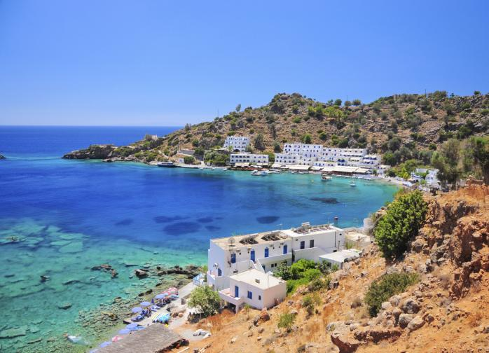 Най-големият гръцки остров, Крит, е дом на дива природна красота и хиляди години култура, история и изискана кухня. Най-малко скъп месец, за да отидете там е октомври