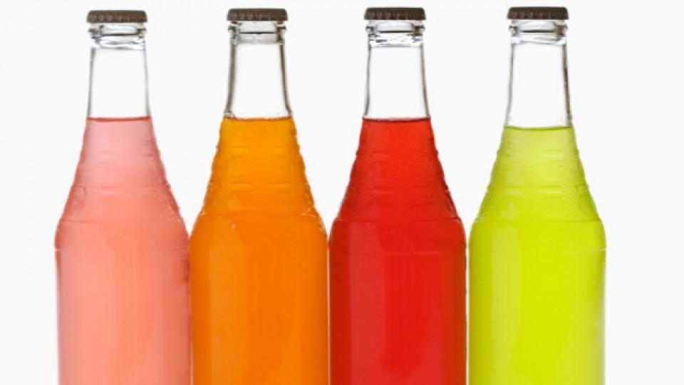 Защо да внимаваме със захарните напитки