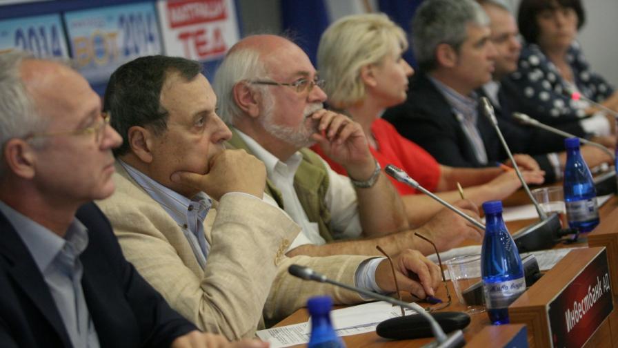 Работодатели и синдикати с ултиматум към властта