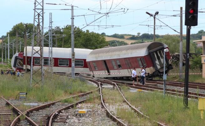 Папазов: Причината за дерайлиралия влак е комплексна