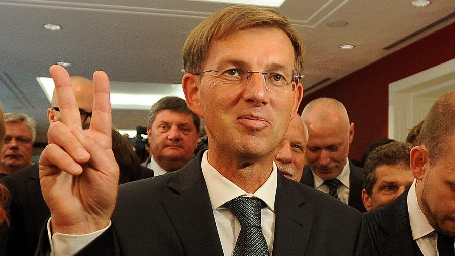 Словения: Гърция бездейства, a взима пари, вижте България