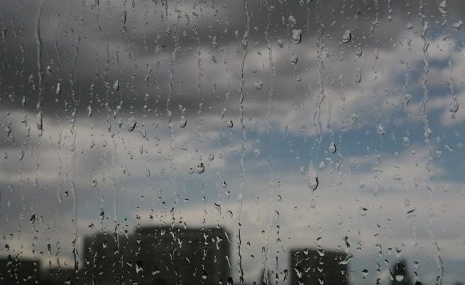 Проливен дъжд в цялата страна, наводнени са Враца, Монтана и Пловдивско