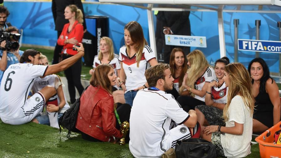 И германските футболни съпруги ликуват