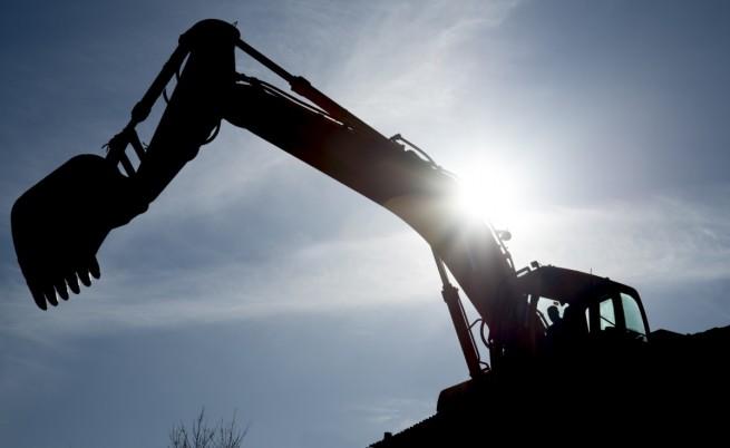 Започва принудително премахване на комплекс на Баневи