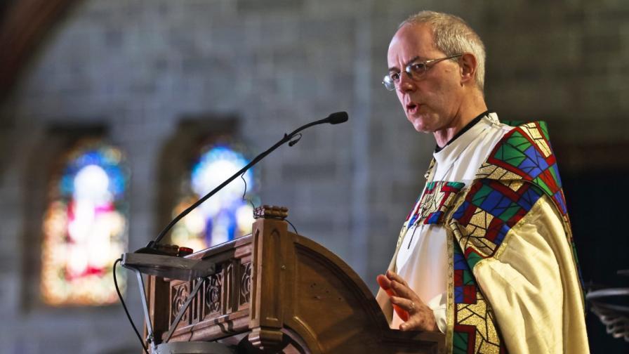 Англиканската църква разреши жени да бъдат избирани за епископи