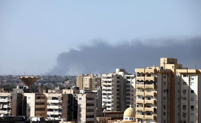 Либия не може да гарантира сигурността си, обмисля да поиска международна помощ