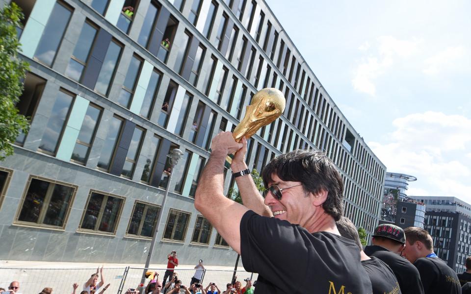 Огромен лабиринт в чест на световната титла на Германия