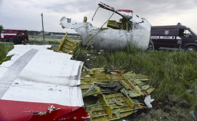Сепаратистите обещаха безопасен достъп до падналия самолет