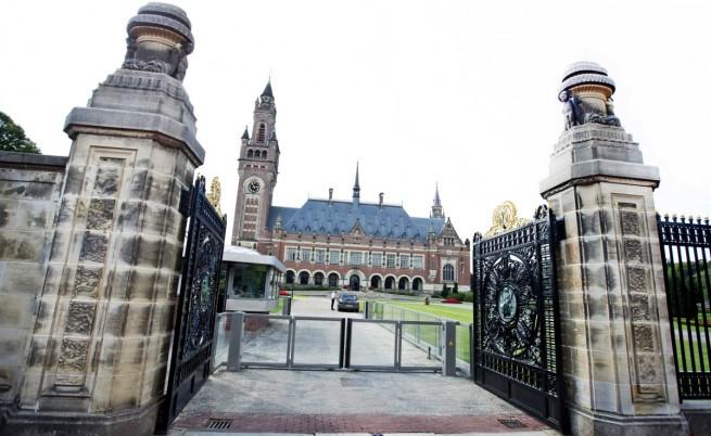 Съдът в Хага осъди Русия да плати на акционери на ЮКОС $50 млрд.