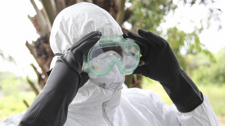 """""""Лекари без граници"""": 6 месеца, за да поставим ебола под контрол"""