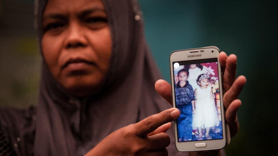 Цяло семейство, разделено от цунами, се събра след 10 г.