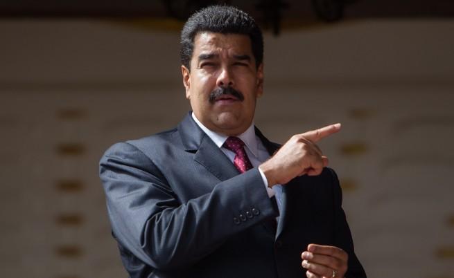 Мадуро атакува, ще свика предсрочни избори във Венецуела