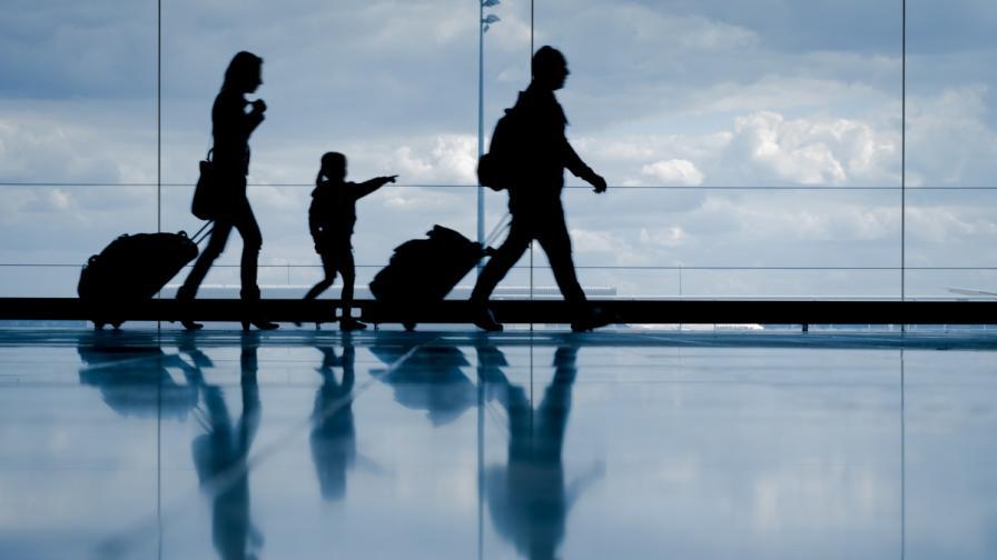 <p>От днес са в сила новите правила за влизане в Гърция</p>