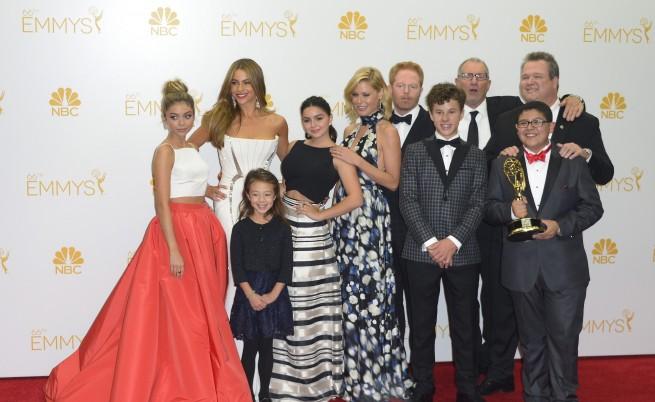 """Най-добър комедиен сериал е """"Модерно семейство"""""""