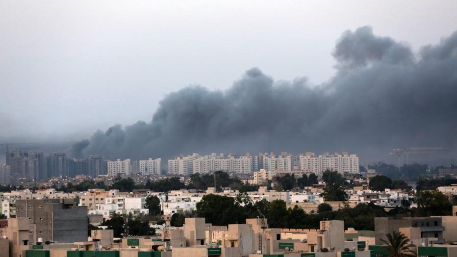 Либия в хаос – вече е с два парламента и два кабинета