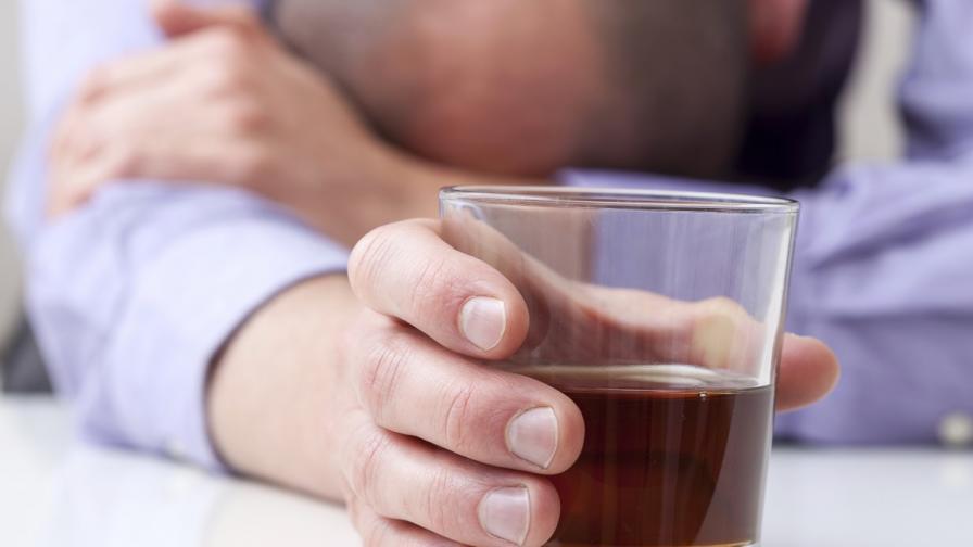 """Руски учени тестват """"уникален"""" препарат срещу алкохолизъм"""