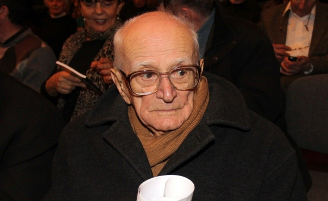 Почина Валери Петров