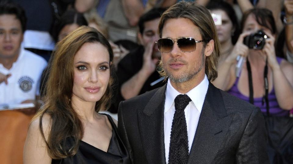 Анджелина и Брад по време на кинофестивала в Торонто провел се преди седмица