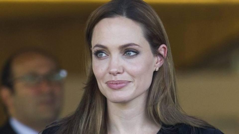 Анджелина Джоли: Все още съм лошо момиче