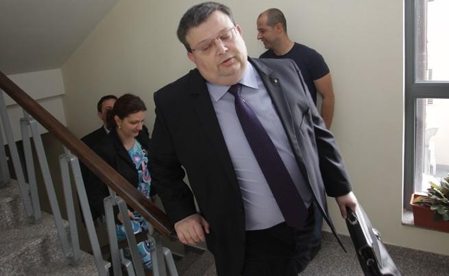 Цацаров: Златанов първо искаше да говори, но се отказа