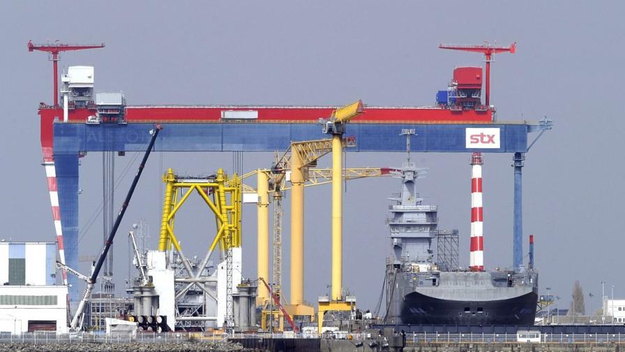 """Франция няма да достави бойния кораб """"Мистрал"""" на Русия"""
