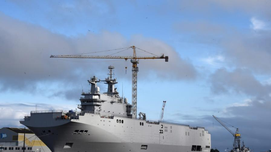 """Доставката на френския кораб била само """"замразена"""""""