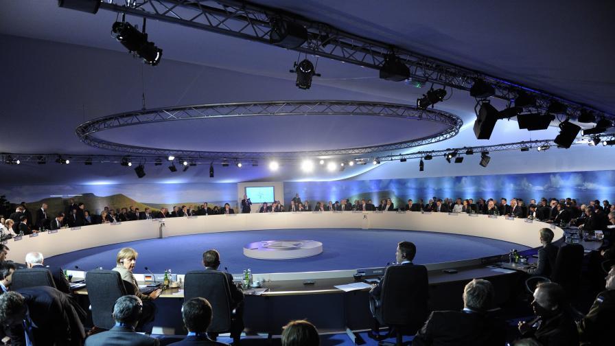 НАТО дава на Украйна 15 млн. евро за военни реформи