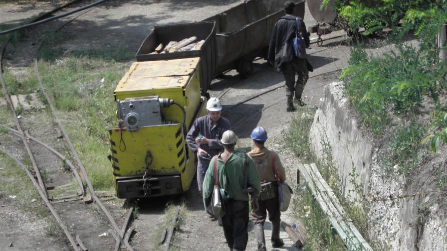 Още двама миньори са изведени от мина Черно море