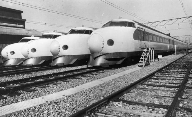 """""""Шинкансен"""", японският влак стрела, стана на 50 години"""