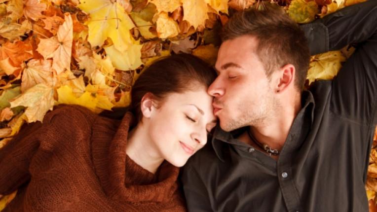 есен двойка целувка любов щастие