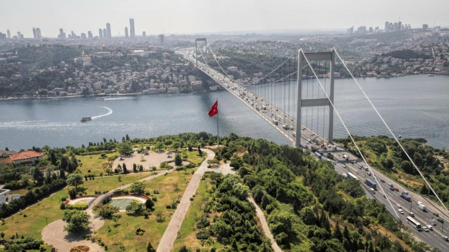 """В Истанбул ще пътуват """"ботобуси"""""""