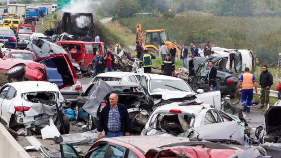 Българин арестуван за верижната катастрофа в Гърция