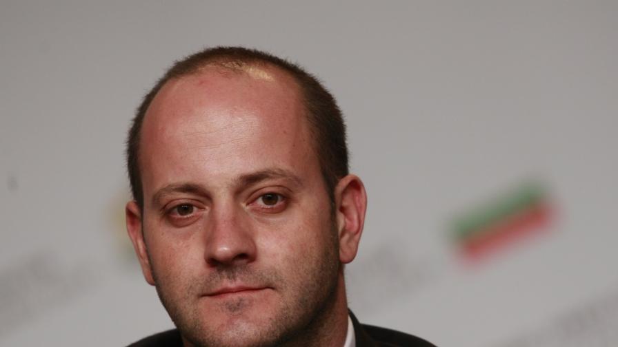 Радан Кънев: Надявам се президентът да наложи вето