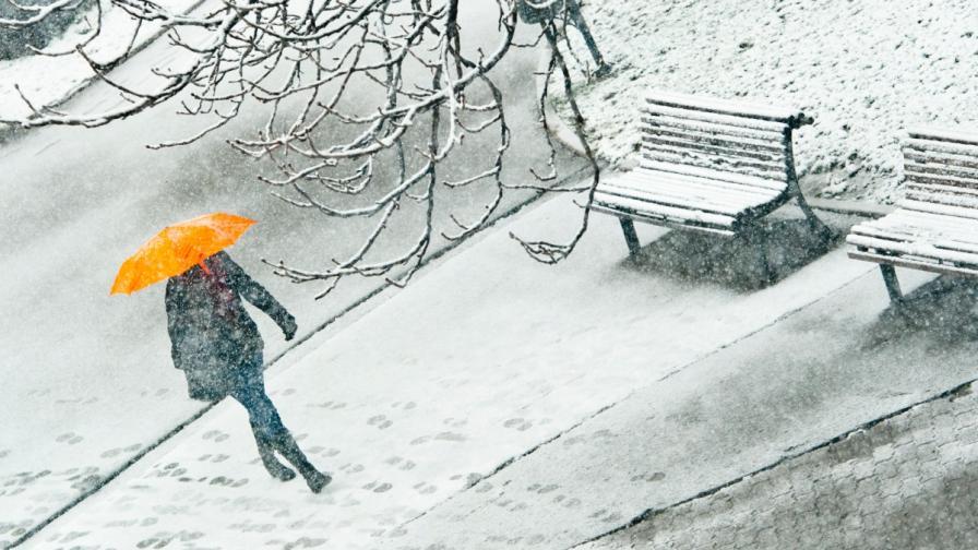 След снега: Обстановката бавно се нормализира
