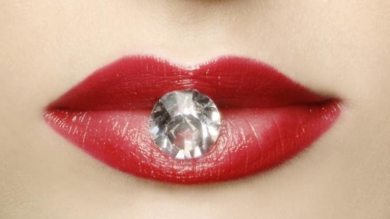 жена устни диамант червило