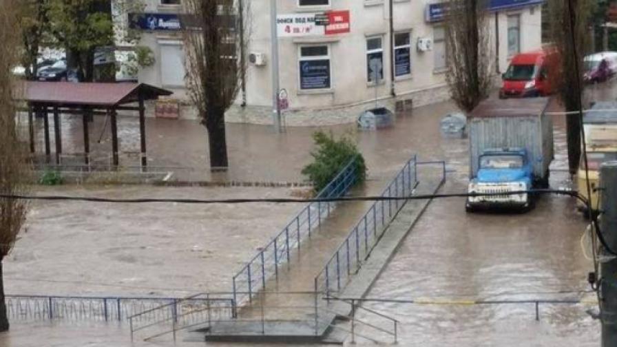 Бедствено положение в Бургас, Смолян, Габрово и Севлиево, наводнения в Хасково