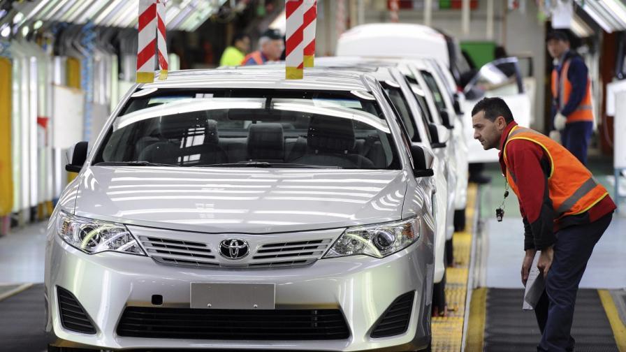"""""""Тойота"""" остава №1 по продажби в света"""
