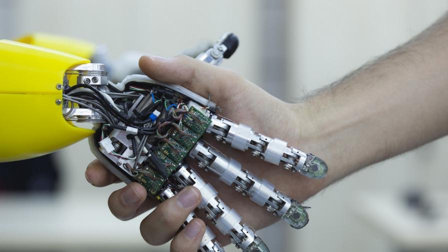 Роботи може да заменят брокерите в следващите 50 г.