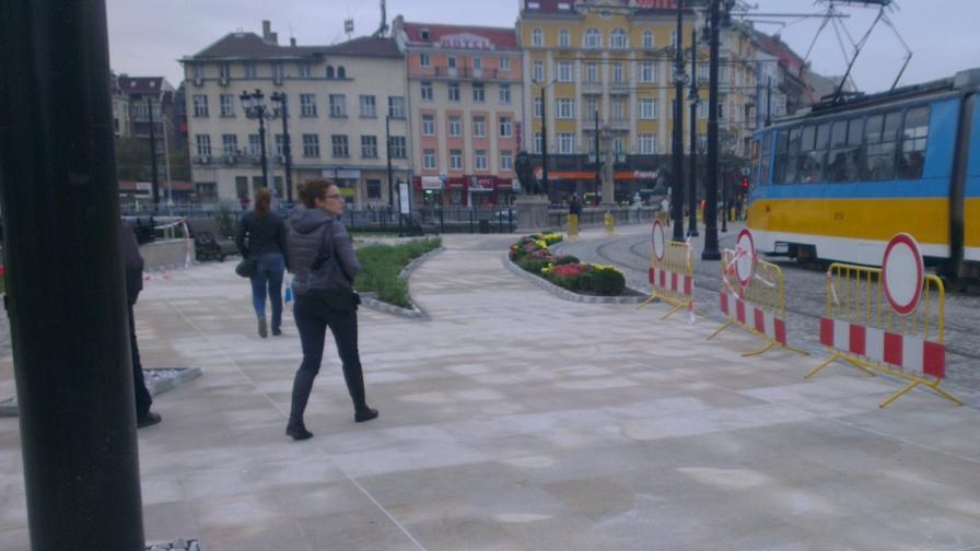 Изоставен багаж затвори Лъвов мост в пиков час