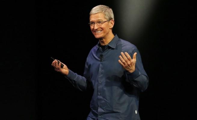 """Тим Кук е за """"малко"""" регулация на технологичния бранш"""