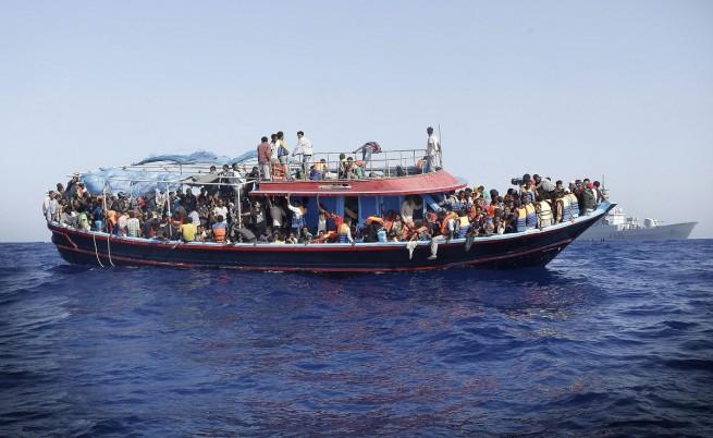 ЕС с нова операция за спасяване на мигранти в Средиземно море