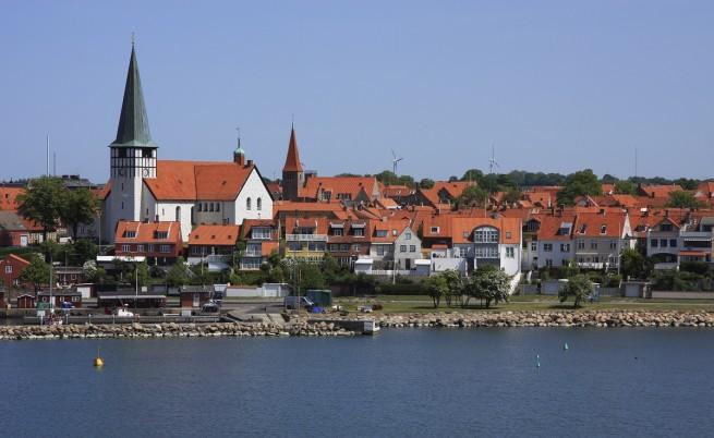 Дания отпуска 428 000 долара за изучаване на троловете