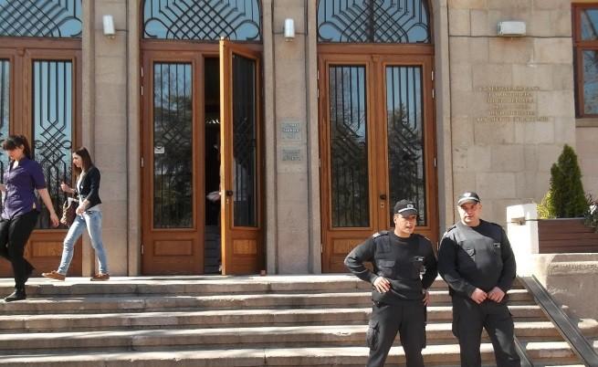Деца от Пазарджик имитират обезглавяване като ИД