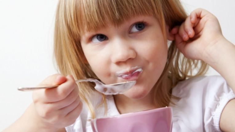 мляко дете деца кисело йогурт