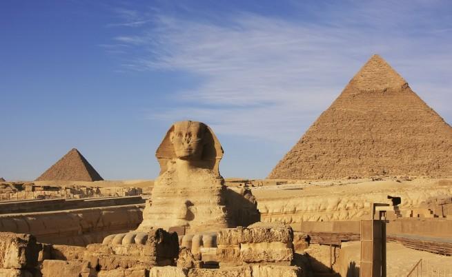 Кои ще рухнат първи – пирамидите или небостъргачите